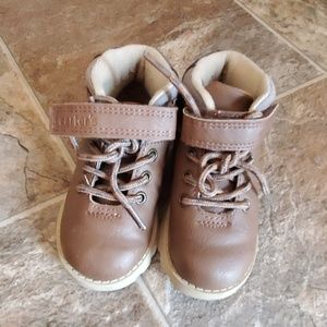 Toddler boy size 7 boots